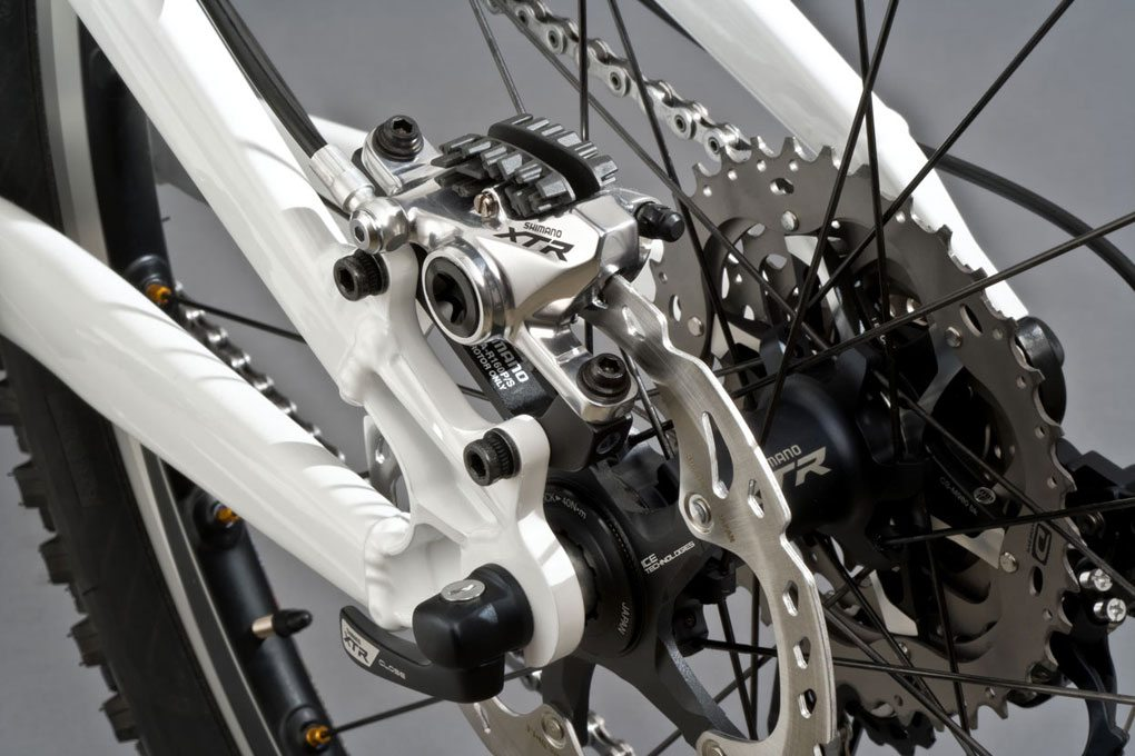 Shimano XTR Trail Caliper, Blister Gear Review