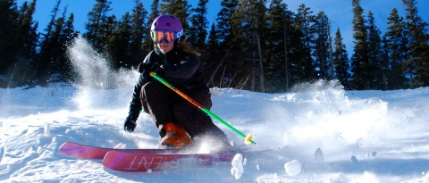 Julia - skiing - 1020 - Slider