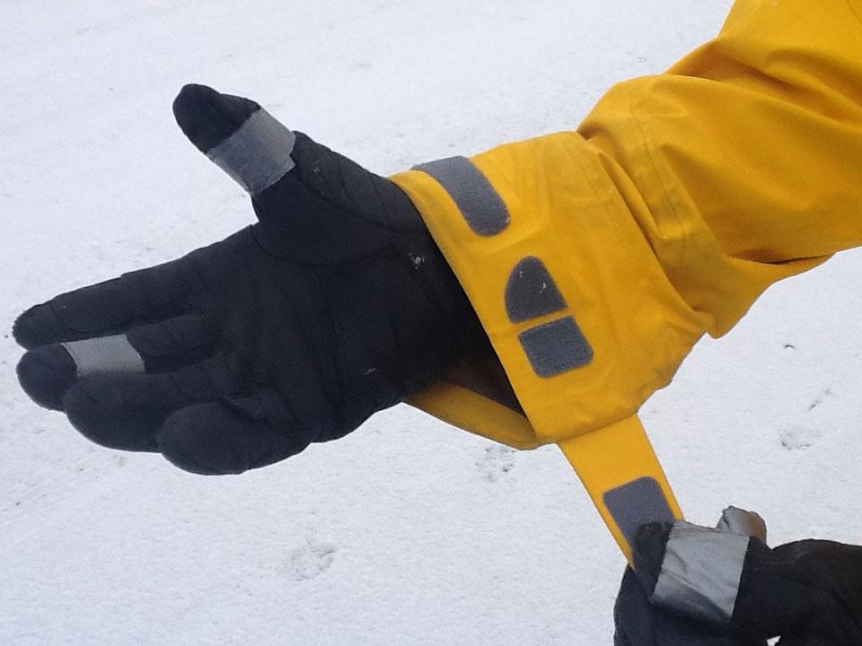 Norrona lofoten Cuffs, Blister Gear Review