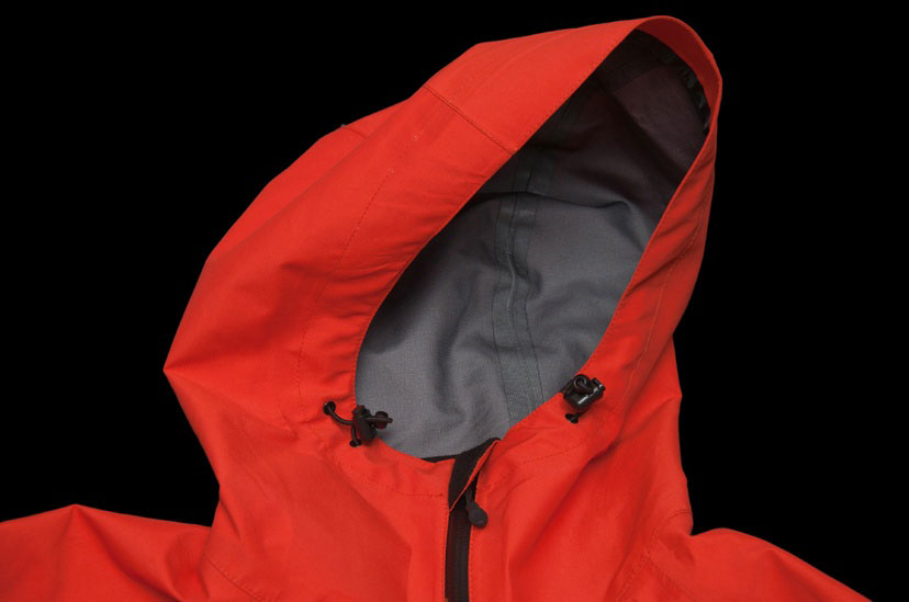 3L Eagle Hood, Blister Gear Review
