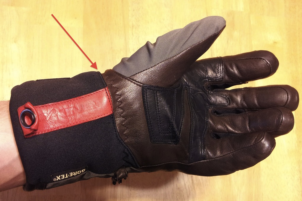 Dakine Commander Glove Wrist Crease, Blister Gear Review