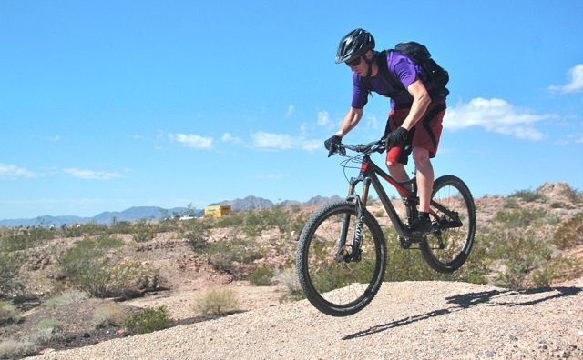 Devinci Troy, Blister Gear Review,