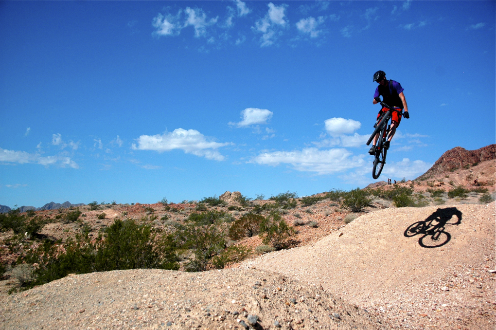 2014 Devinci Troy Carbon SL, Blister Gear Review