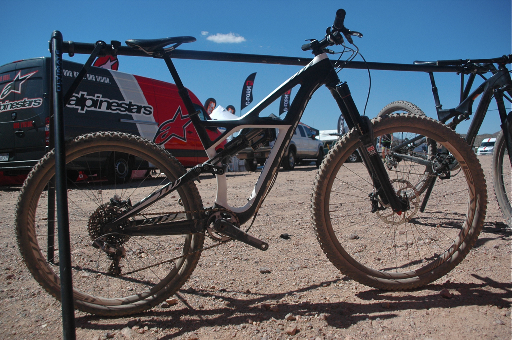 Specialized Enduro 29, Blister Gear Review.