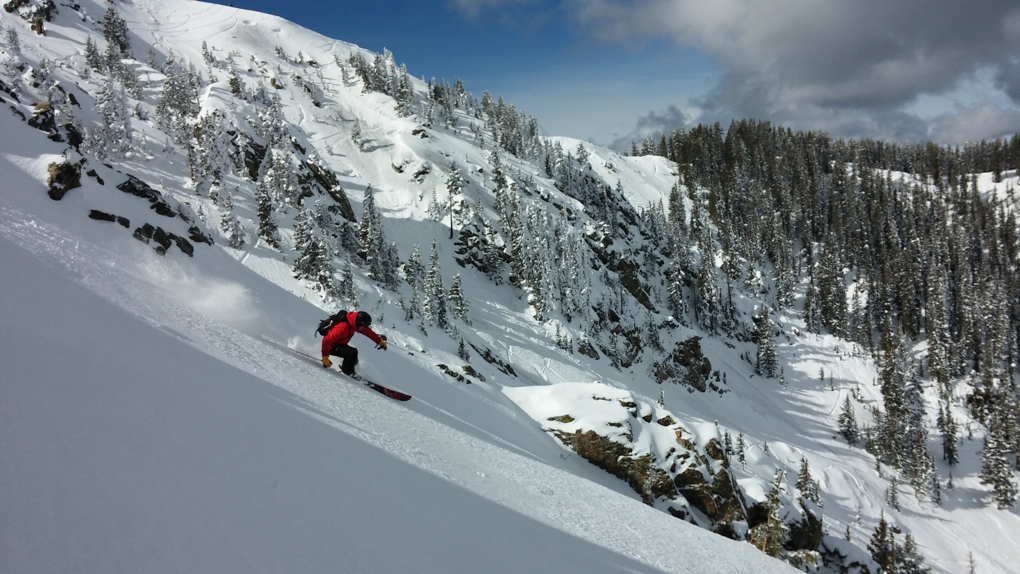 Jonathan Ellsworth on the Moment Governor, Kachina, Taos Ski Valley, Blister Gear Review