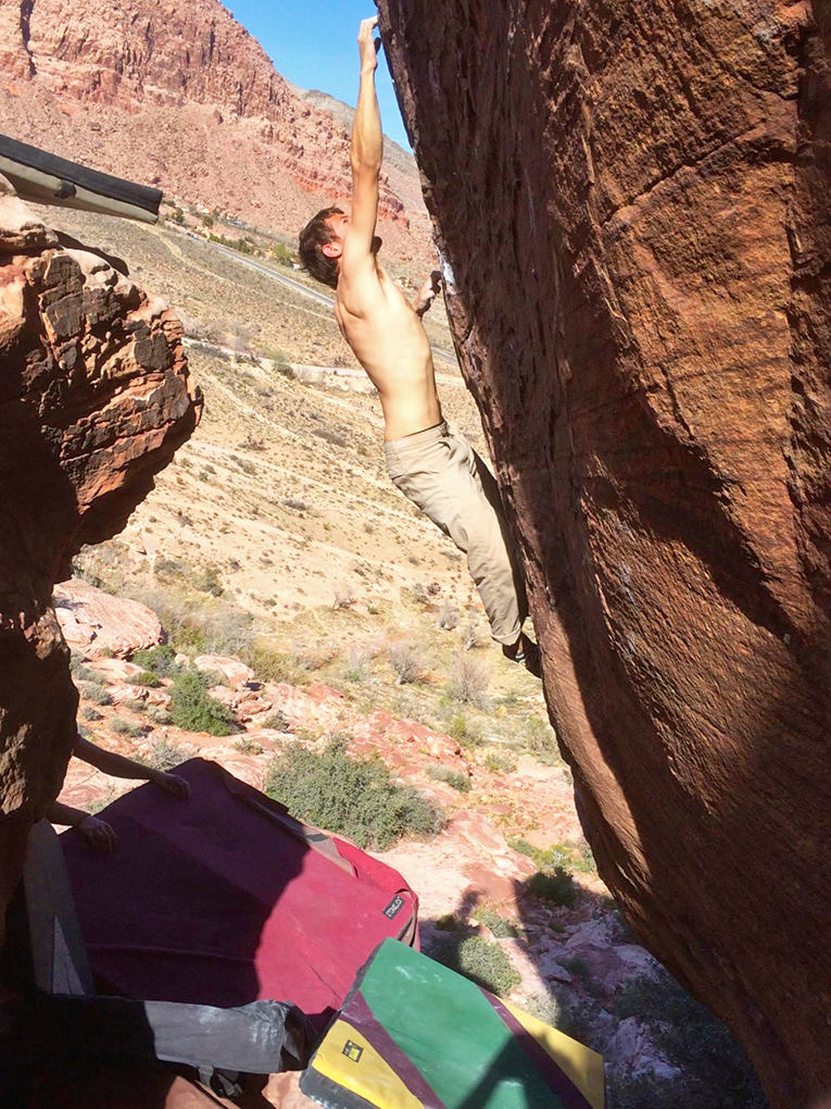 Jamie Rushford reviews the Stonelick Gordita crash pad, Blister Gear Review