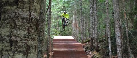 Noah, Clownshoes, Whistler Bike Park, Blister Gear Review