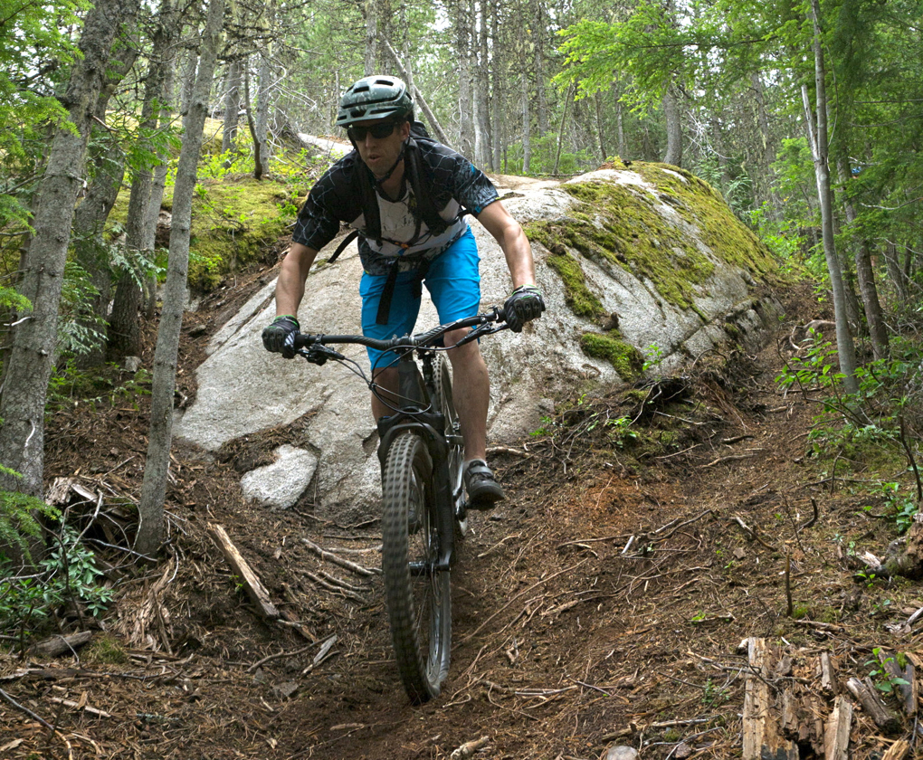 Noah Bodman reviews the Specialized Enduro Comp Jersey, Enduro Sport Shorts, and Enduro Gloves, Blister Gear Review