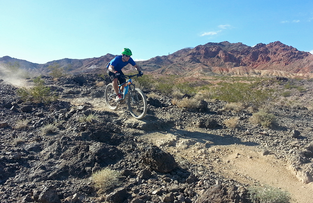 Tom Collier reviews the Giant Anthem Advanced SX 27.5, Blister Gear Review.