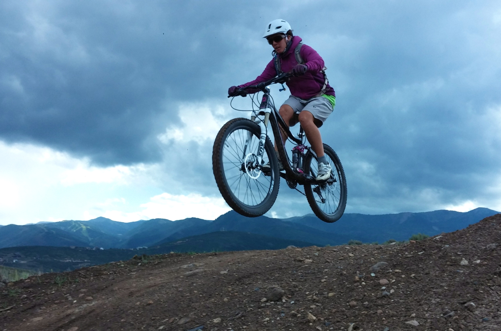 Stella Selden reviews the Pearl Izumi Canyon shorts, Blister Gear Review