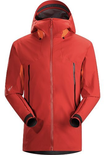 Jonathan Ellsworth reviews the Arc'teryx Lithic Comp Jacket for Blister Gear Review