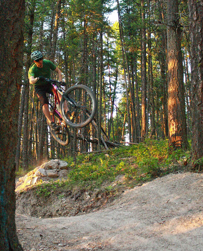 Blister Gear Review Topic of the Week - Trail Bikes: Short Travel vs. Long Travel