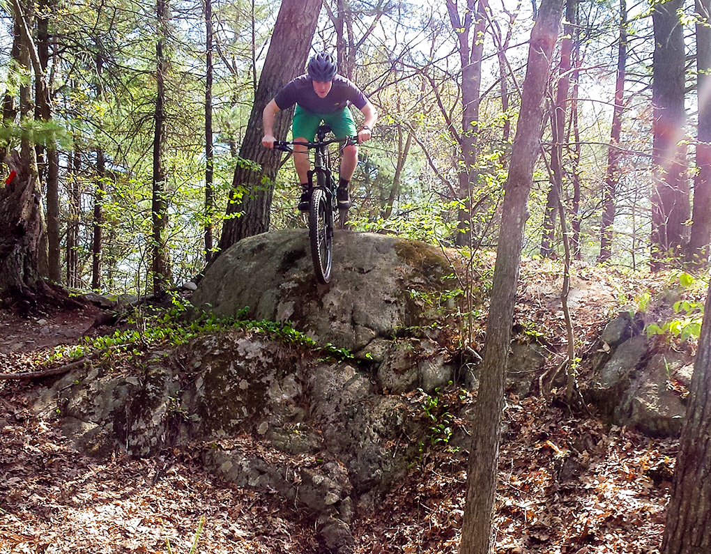 Tom Collier reviews the 2015 Giant Trance SX 27.5 for Blister Gear Review