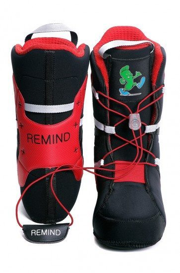 Zeppelin Zeerip reviews the Remind Solution Snowboard Liner for Blister Gear Review