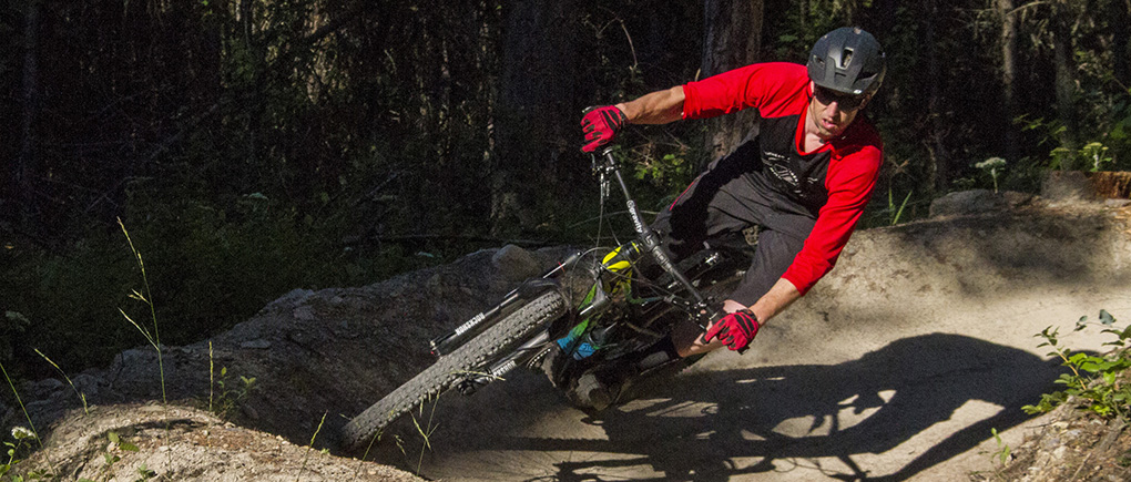 Noah Bodman reviews the Devinci Spartan for Blister Gear Review