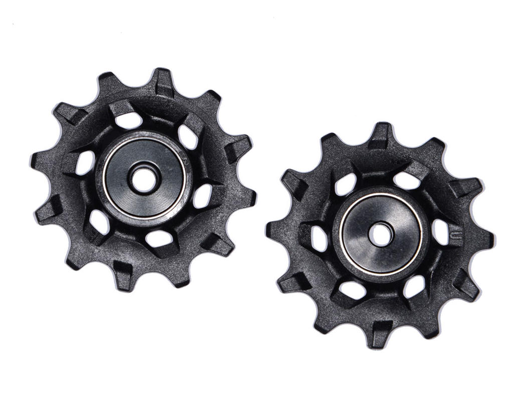 Marshal Olson reviews the Wolf Tooth DropStop (v2) 32t Chainring for Blister Gear Review