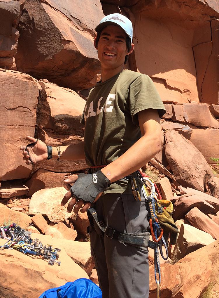 Matt Zia reviews the Outdoor Research Splitter gloves for Blister Gear Review.