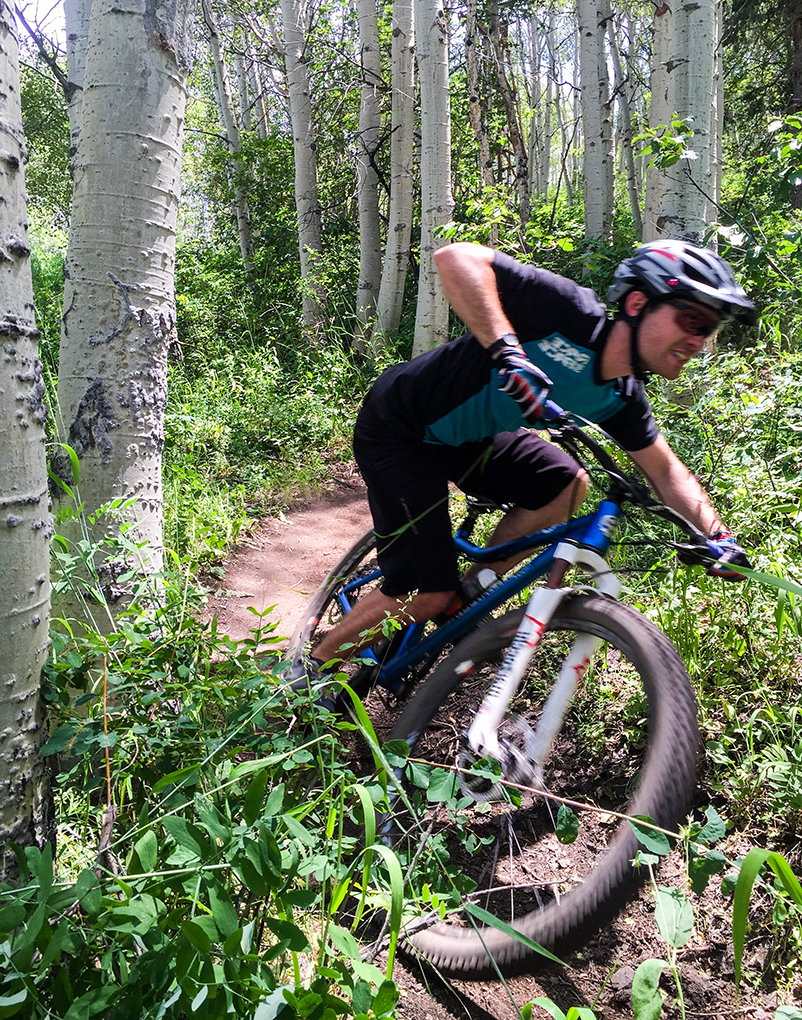 Tom Collier reviews the Thomson Covert Elite Dropper Seatpost for Blister Gear Review.