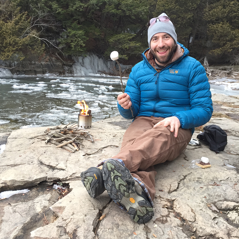 Robin Abeles reviews the Solo Stove Lite for Blister Gear Review.