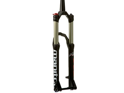 Tom Collier reviews the Manitou Minute Pro fork for Blister Gear review.