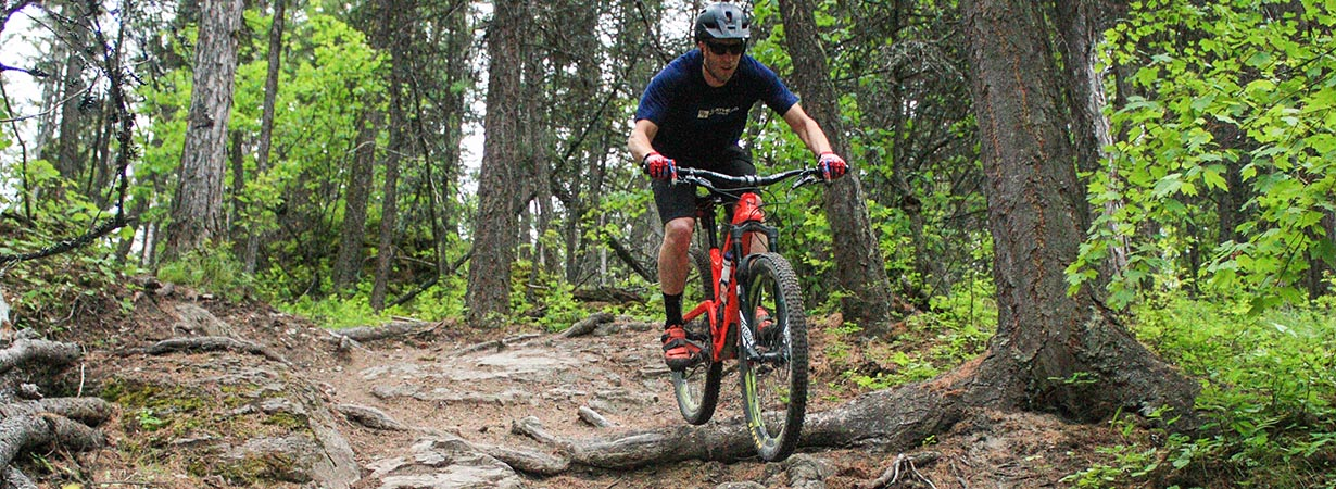 Noah Bodman reviews the Maxxis Aggressor for Blister gear Review.