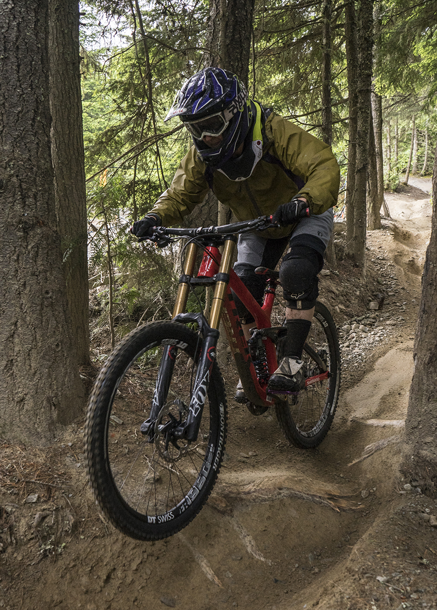 Marti Bruce reviews the Trek Session 9.9 for Blister Gear Review.