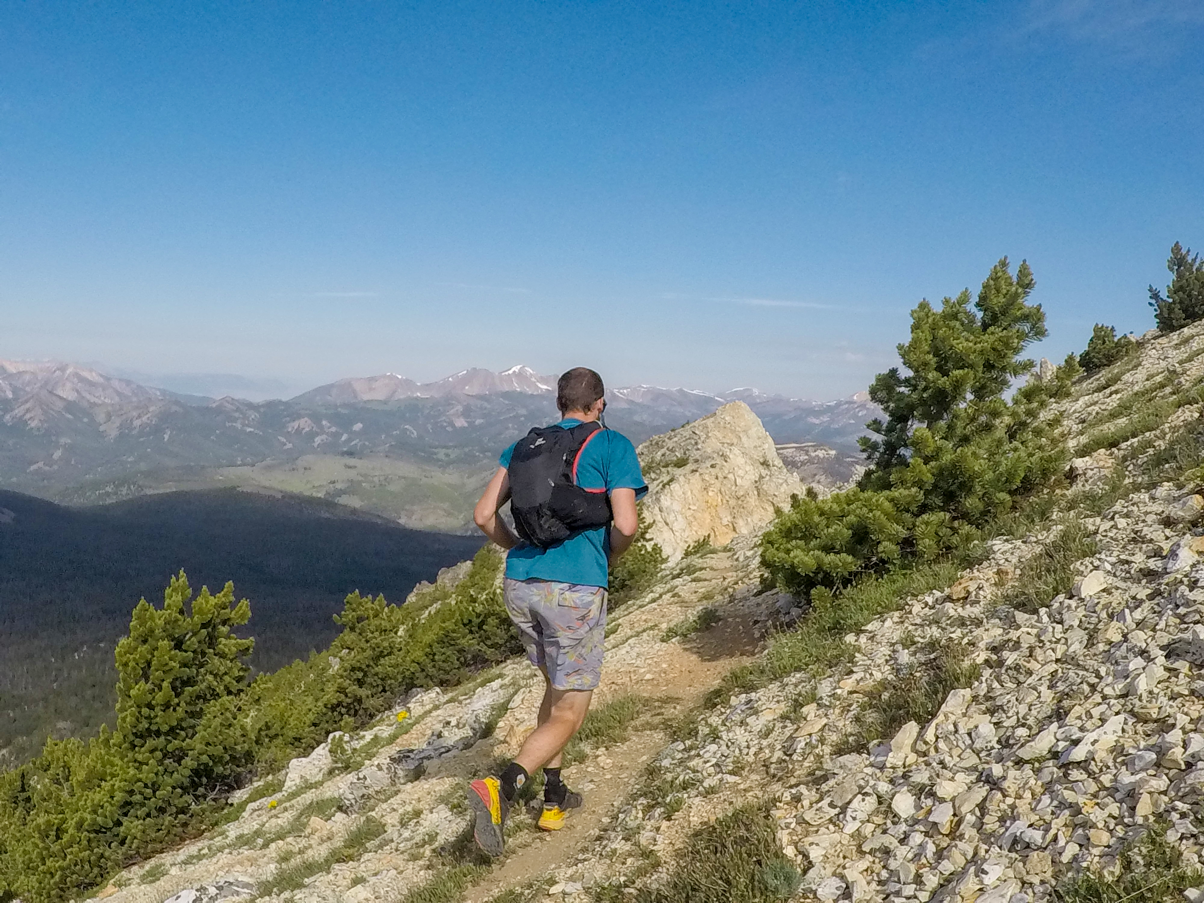 Cy Whitling reviews the Salomon Skin Pro 15 Set for Blister Gear Review