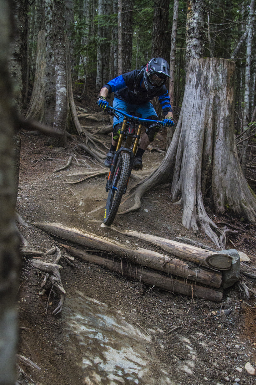 Noah Bodman reviews the IXS Sever shorts and Vibe Jersey for Blister Gear Review.