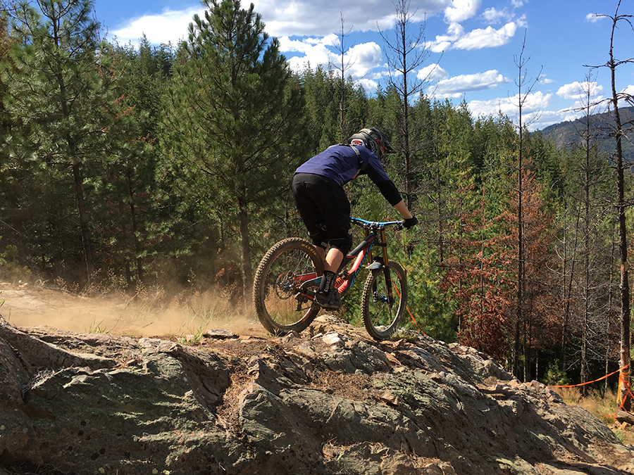 Noah Bodman reviews the Maxxis Griffin for Blister Gear Review.