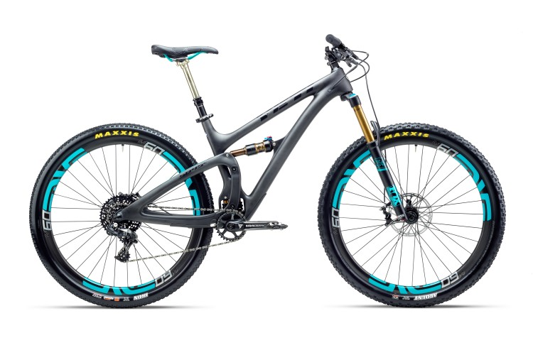Noah Bodman reviews the Yeti SB5.5 for Blister Gear Review.