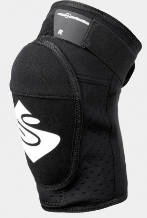 Noah Bodman reviews the Sweet Protection Bearsuit Light kneepads for Blister Gear Review.