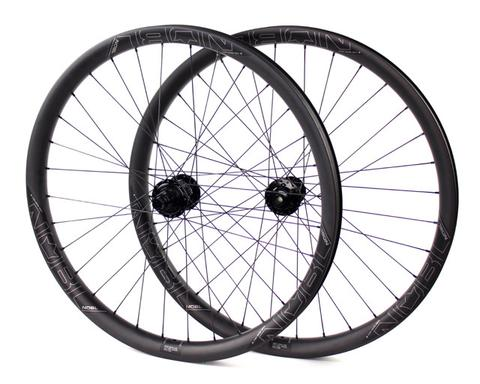 "Branham Snyder reviews the 2017 NOBL Wheels TR38 27.5"" Wheels for blister Gear Review."