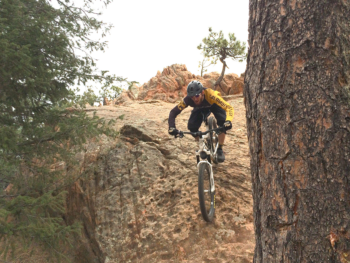 Xan Marshland reviews the Loaded Precision AmX 35 Carbon Bar for Blister Gear Review.
