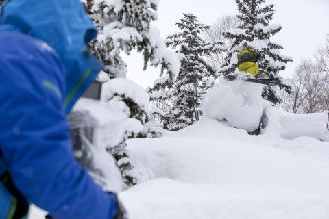 Rider: Piers Solomon, Frank PickellLocation: Kiriro Snow World, Japan
