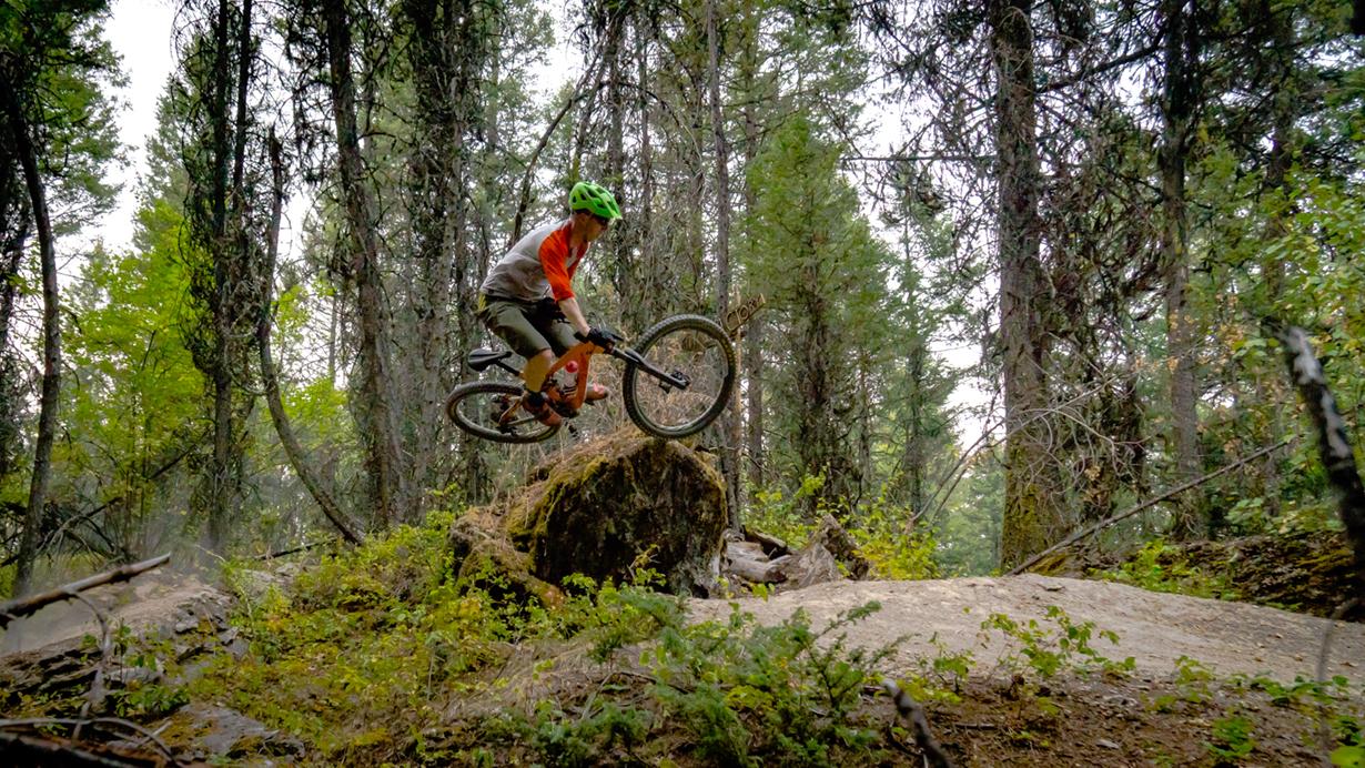 Noah Bodman reviews the Mons Royale Redwood 3/4 Raglan T for Blister Review