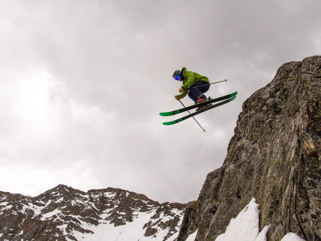 Blister reviews the Rossignol Super 7 HD.