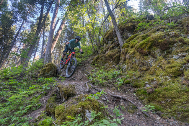 Noah Bodman reviews the Trek Slash 9.8 for Blister