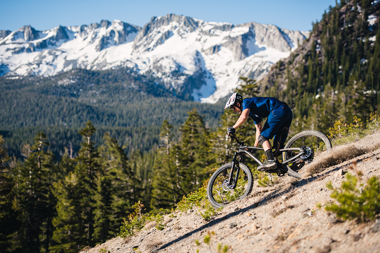 Blister reviews the 2019 Devinci Troy