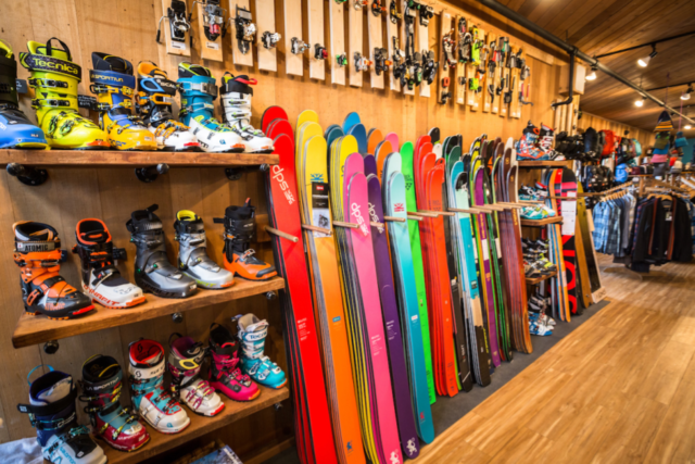 Alpenglow Sports, BLISTER