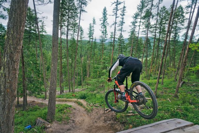 Noah Bodman reviews the Race Face Turbine R Dropper Post and 1x Lever for Blister