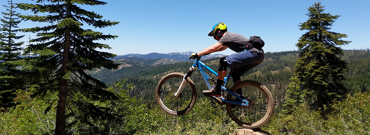 Xan Marshland reviews the Showers Pass IMBA Shorts and Apex Merino Tech T-Shirt for Blister