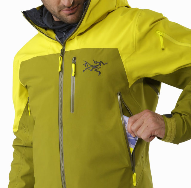 Luke Koppa reviews the Arc'teryx Sabre LT Jacket for Blister