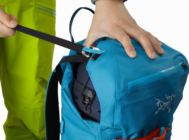 Sam Shaheen reviews the Arc'teryx Alpha SK 32 Backpack for Blister