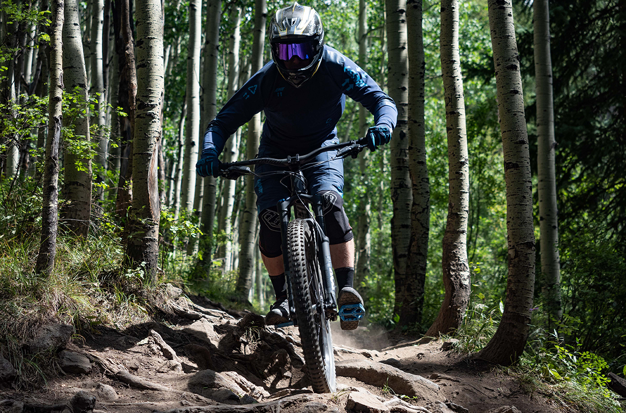 Eric Freson reviews the Specialized Enduro for Blister