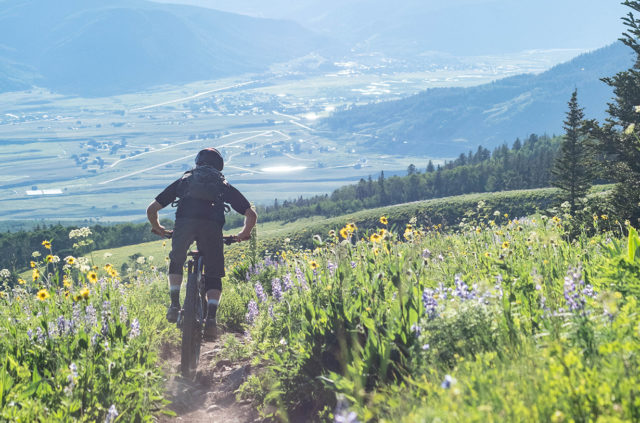 Noah Bodman, David Golay, and Jonathan Ellsworth discuss on Blister's Bikes & Big Ideas podcast the best and most influential mountain bike gear of the past decade (2010-2020)