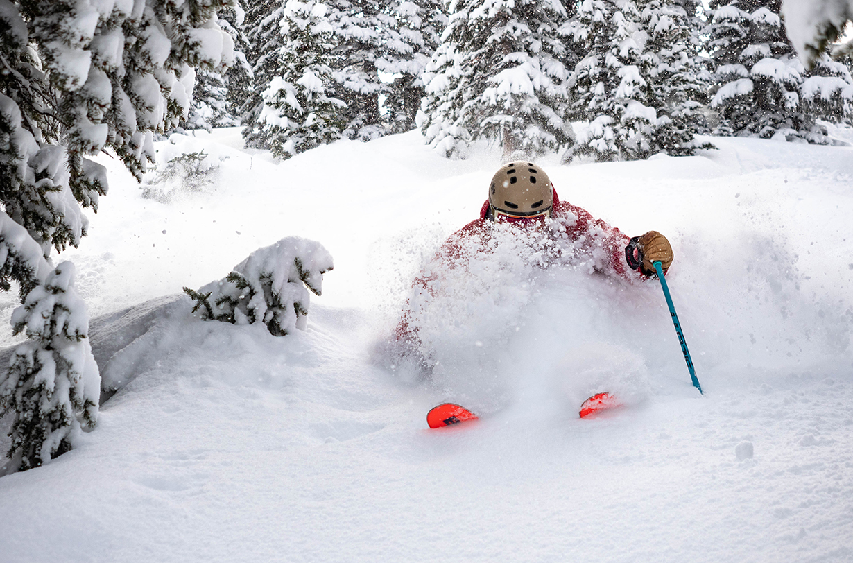 Jonathan Ellsworth, Kristin Sinnott, & Luke Koppa discuss on Blister's GEAR:30 podcast some of the K2, Blizzard, Nordica, Rossignol, Dynastar, & WNDR Alpine skis they've been reviewing, and more.