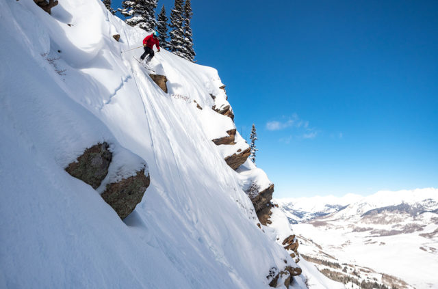 Eric Freson reviews the Moment Commander 118 for Blister in Crested Butte, Colorado.