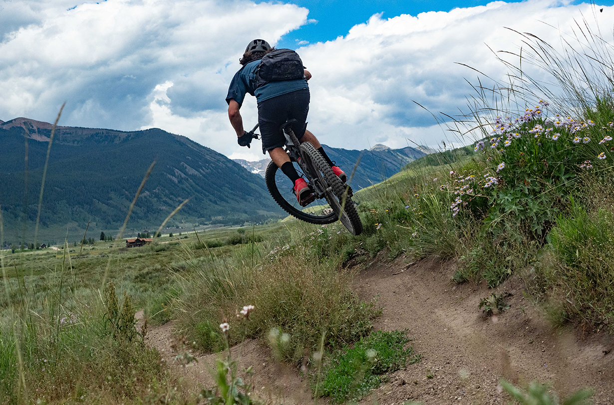 Luke Koppa reviews the EVOC Capture 7L Camera Pack for Blister in Crested Butte, Colorado.