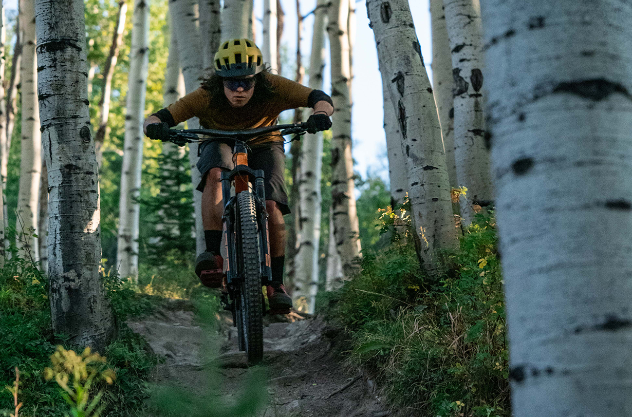 Jonathan Ellsworth, Ben Sims, & Luke Koppa discuss on Blister's Bikes & Big Ideas podcast evolving mountain bike geometry, its future, the new 2021 Trek Slash, 2020 Pivot Switchblade, & Rocky Mountain Instinct BC