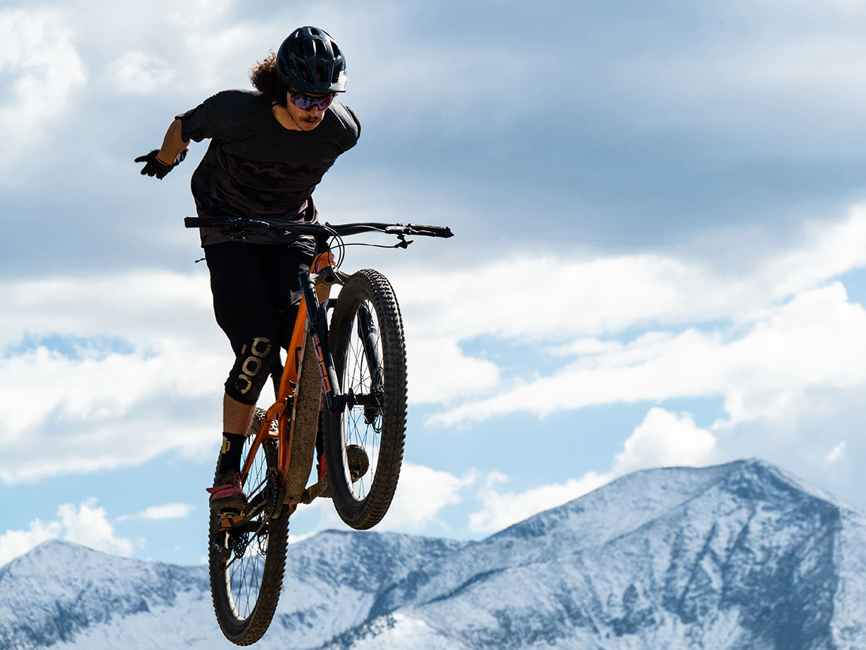 Dylan Wood reviews the Trek Slash for Blister in Crested Butte, Colorado.